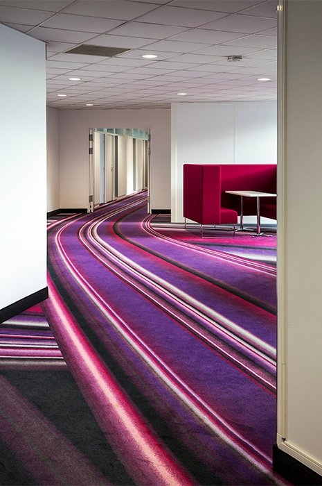 wall-to-wall-carpet-design-in-office-environment