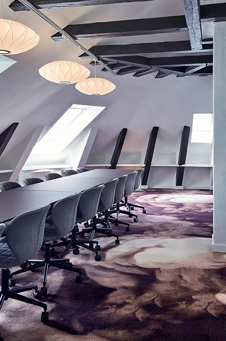 Wall-to-wall office carpets by ege at Broennums Hus Office in Copenhagen, Denmark