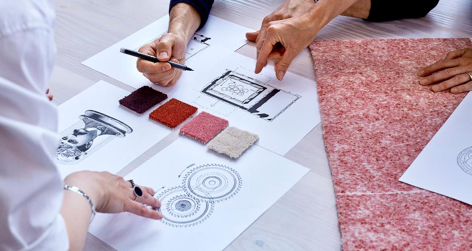 Carpet-samples-and-drawings-for-a-carpet-installation-plan