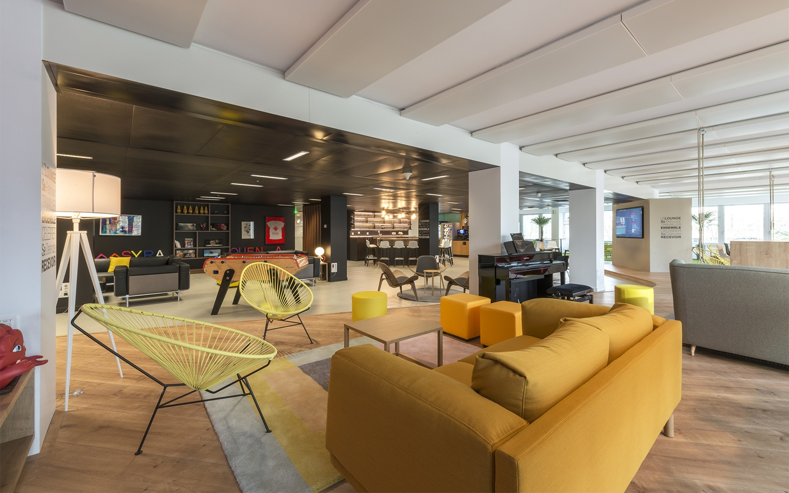 Sparkly Interior Design at Schweppes French Headquarters