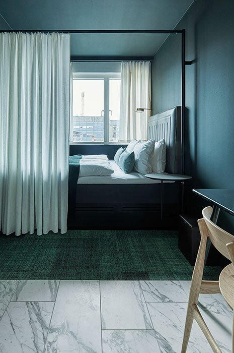 hospitality-trend-minimalistic-hotel-room