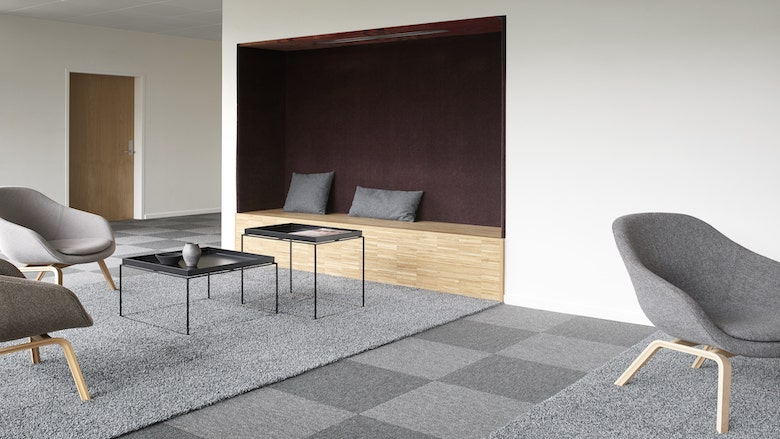 Wall to Wall Carpets vs Carpet Tiles (a step by step comparison)